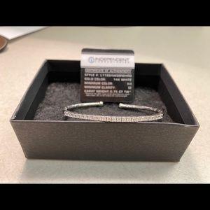 14K white gold Diamond bangle 0.75 CTW